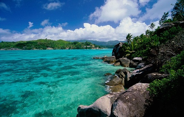 Brit-bought-a-cut-price-island-in-the-Seychelles-4