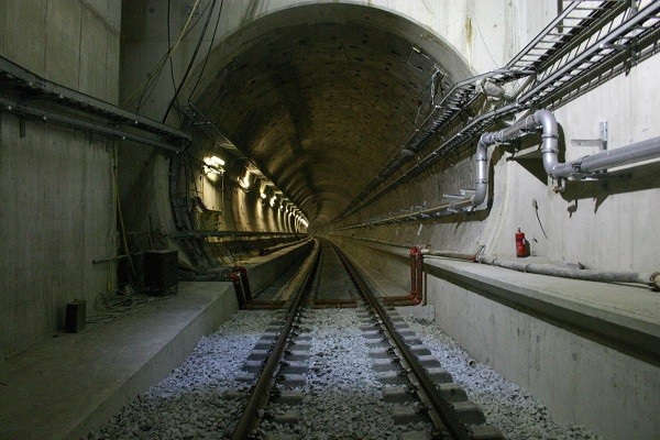 channel-tunnel1-600x400